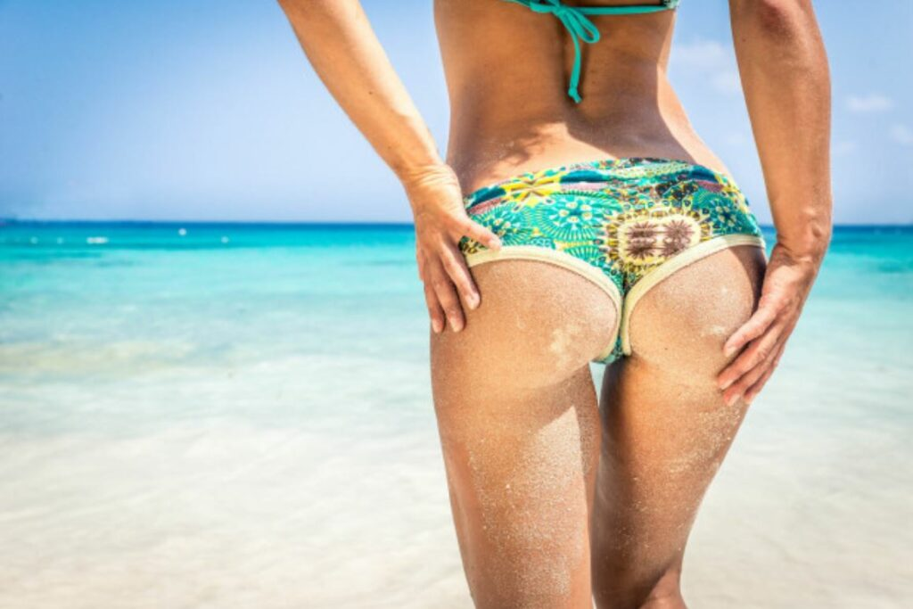 SandstrandSEO Analysen einer Frau im Bikini